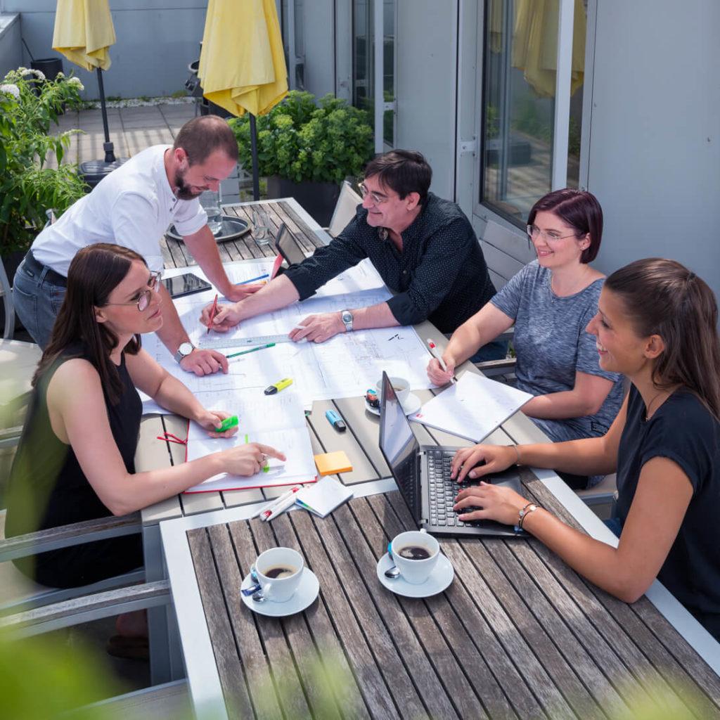 DELTA Gruppe_Besprechung Plan